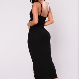 Long black stretchy dress!